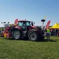 sprzęt rolniczy na dniach kukurydzy